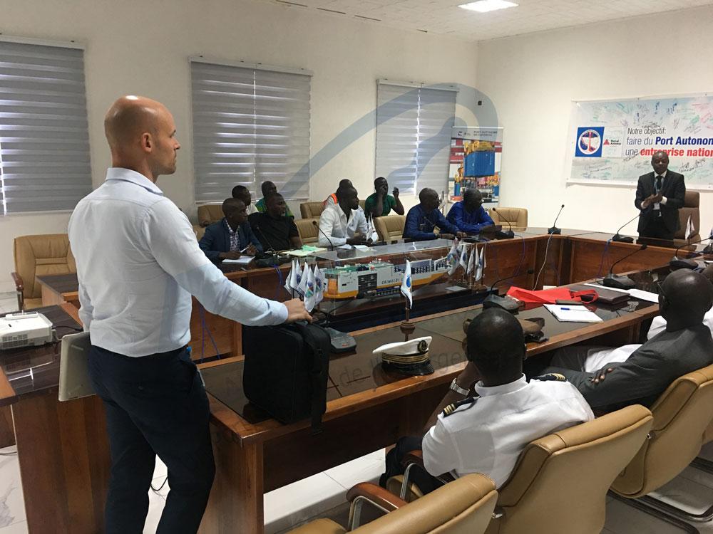 Pour la gestion des flux de camions dakar s inspire de cotonou port autonome de dakar - Recrutement port autonome de dakar ...